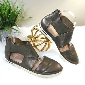 Eileen Fisher | 8 Carver CrissCross Leather Shoes